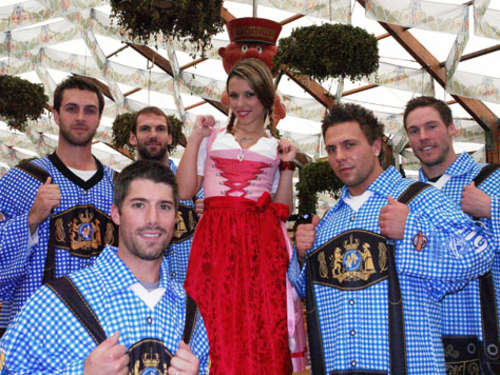EHC: Fotoshooting mit Wiesn-Playmate