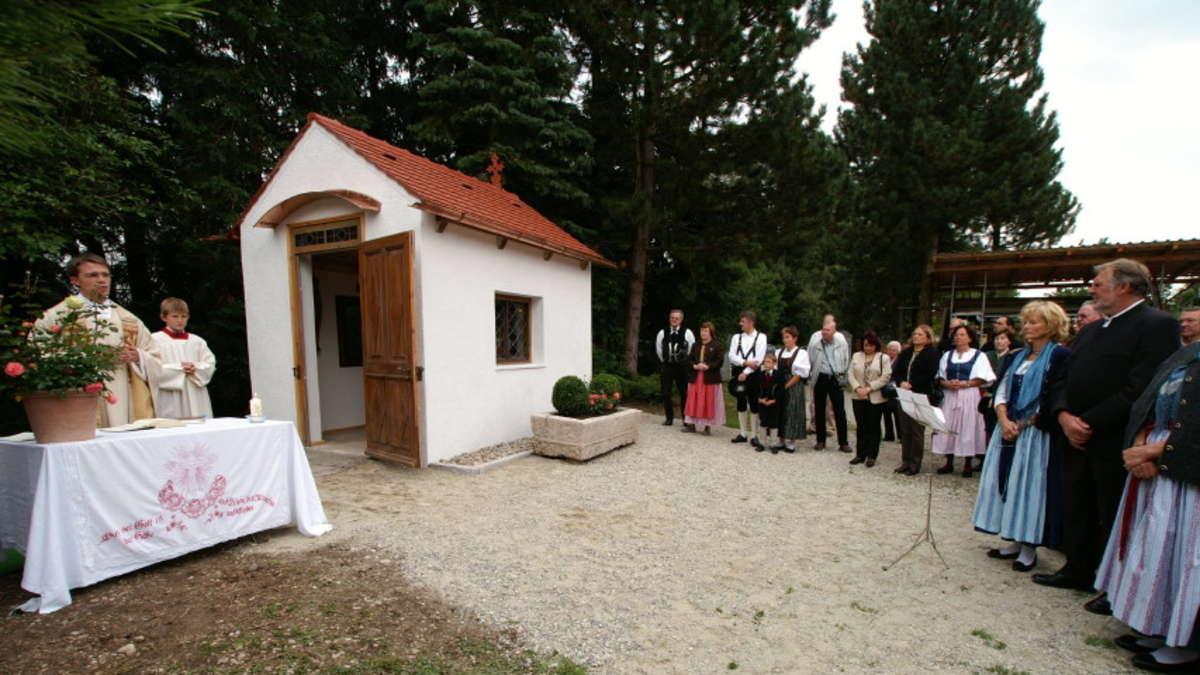 b rger bauten sich eine neue kapelle in g nding dachau. Black Bedroom Furniture Sets. Home Design Ideas