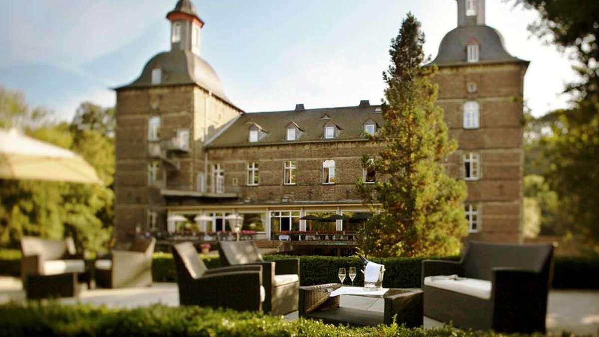 wie im m rchen die sch nsten burghotels deutschlands reise. Black Bedroom Furniture Sets. Home Design Ideas
