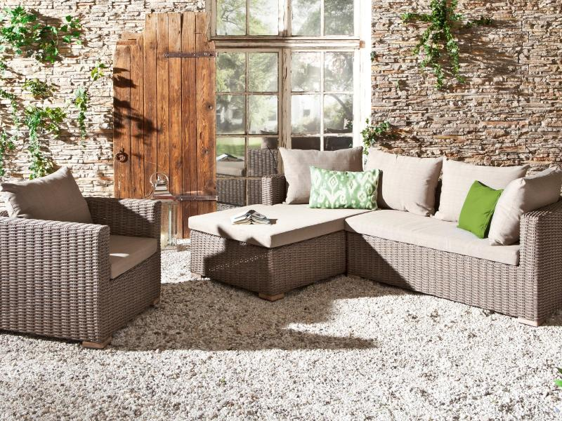 rasen vertikutieren wann ist die beste zeit garten. Black Bedroom Furniture Sets. Home Design Ideas