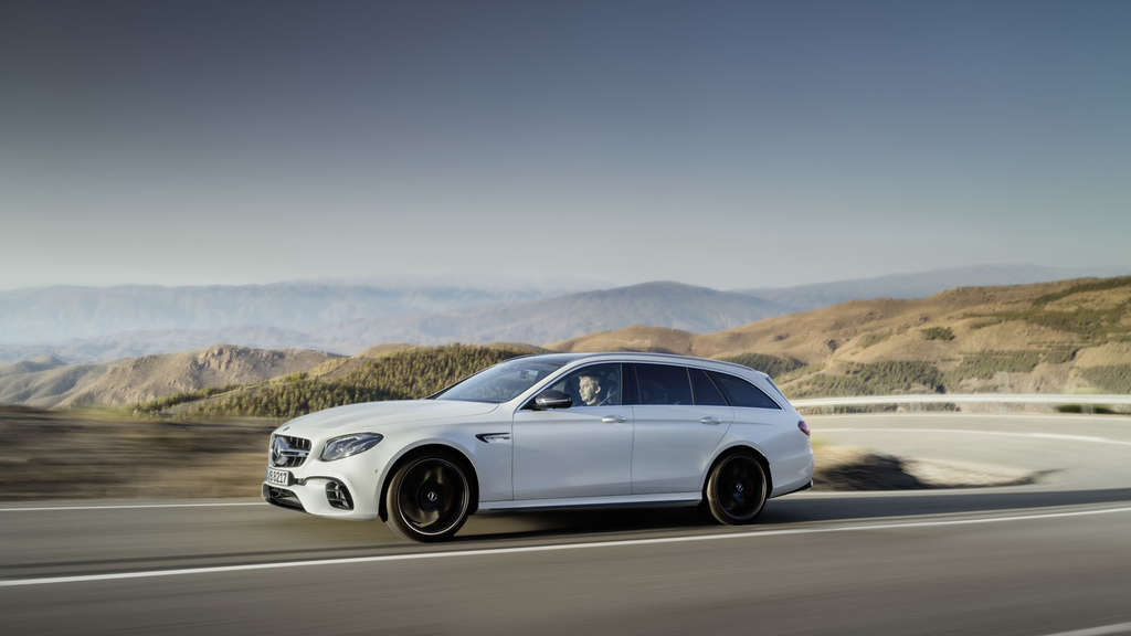 Mercedes-AMG E 63 4Matic T-Modell (2017) und Mercedes-AMG E 63S 4Matic T-Modell.