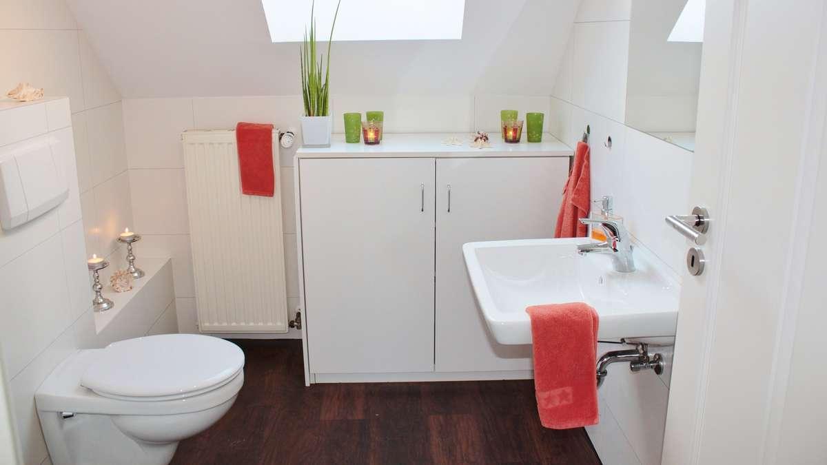das sollten sie jedes mal tun bevor sie das bad putzen wohnen. Black Bedroom Furniture Sets. Home Design Ideas