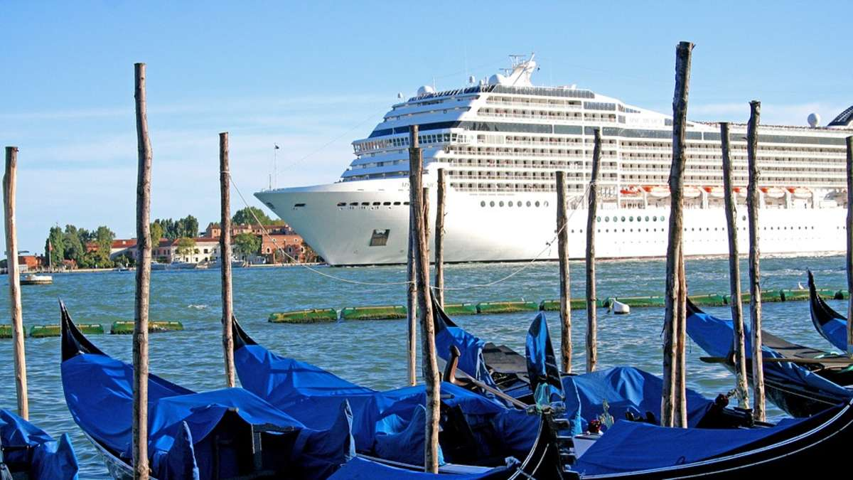 wie viele kreuzfahrtschiffe gibt es
