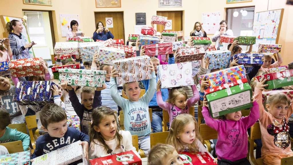 Weihnachten Im Schuhkarton Org.Weihnachten Im Schuhkarton Aktion Feg Mainburg Endspurt Hallertau